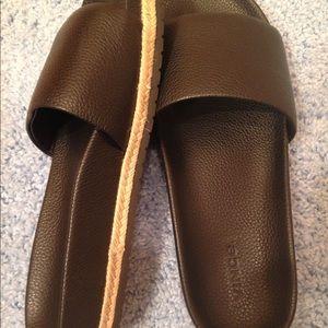 Vince shoe